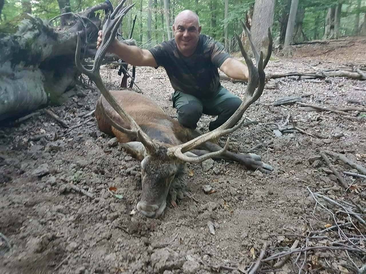 Hunt for Red Deer Trophy in Bulgaria