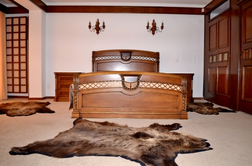 Hunting Hotel Single Bedroom
